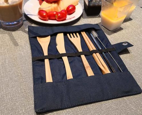 Camping utensil set