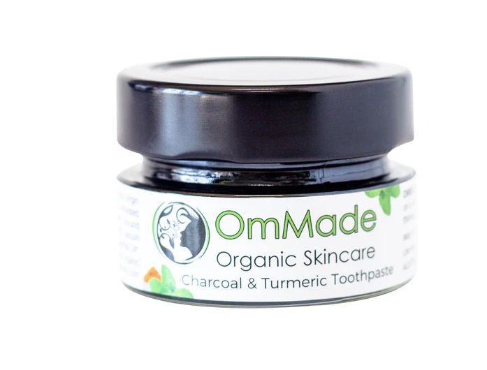Charcoal & Turmeric Whitening Toothpaste