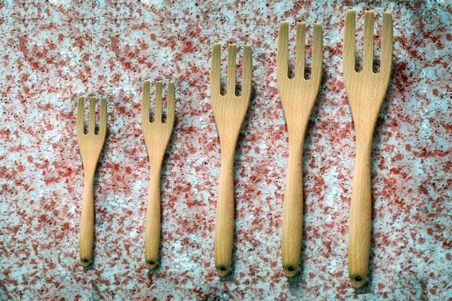 Customizable heat-resistant wood fork