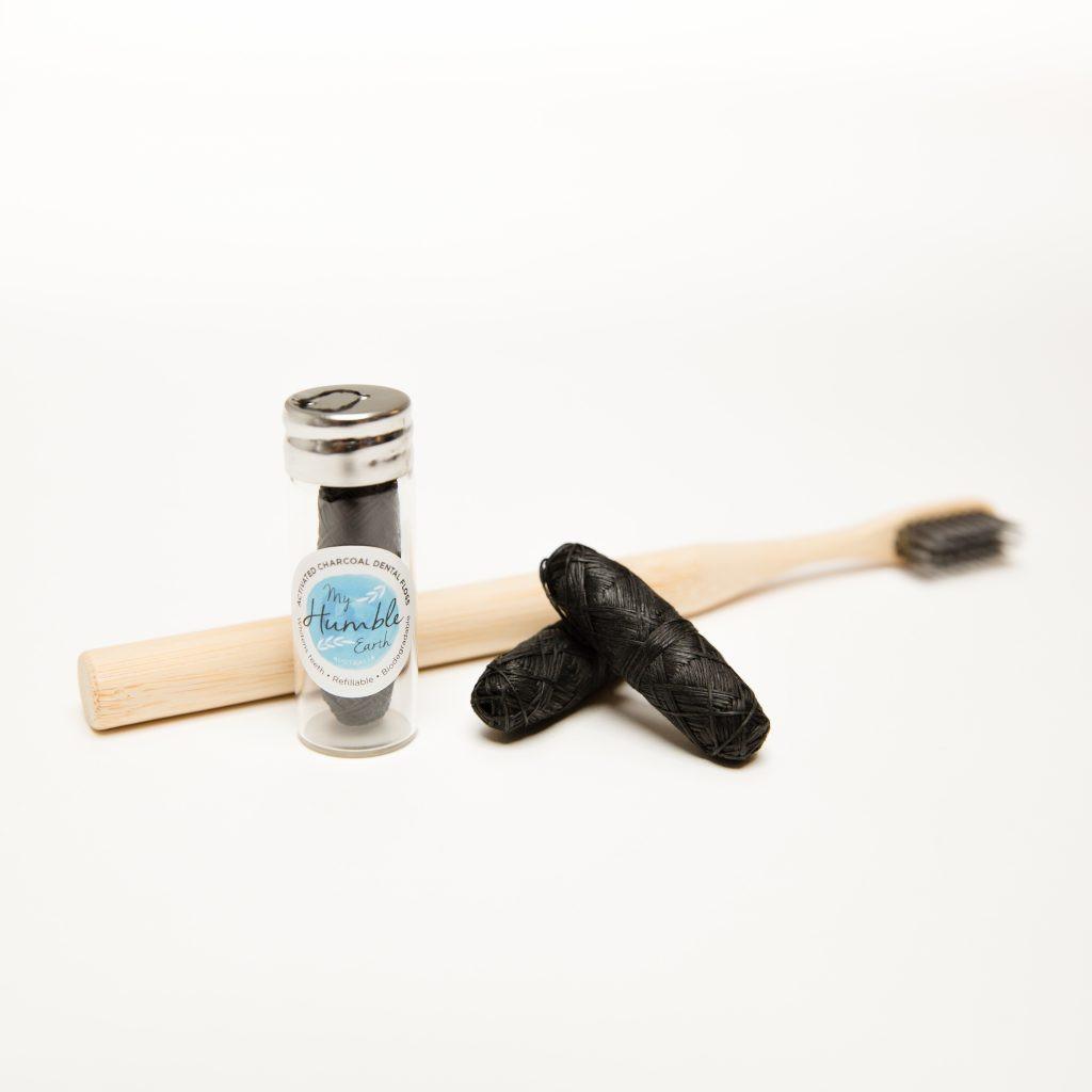 Dental Set (Toothbrush, Floss, 2x Refills)