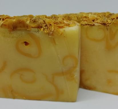 Grapefruit and Geranium Swirl Soap
