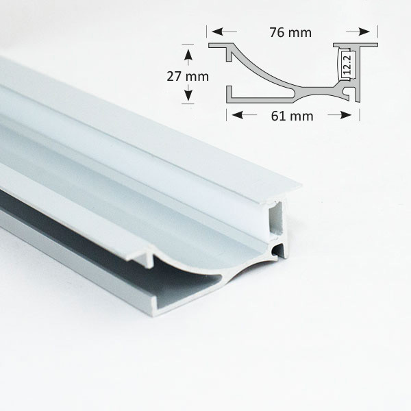 Recessed Flanged Extrusion with A Smooth Angle Reflector