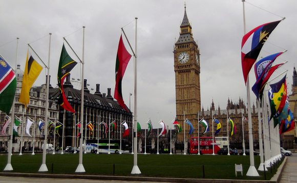 Commonwealth leaders pledge to pursue 1.5C temperature goal
