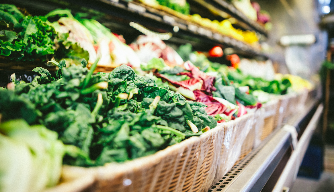 UK Supermarkets Just Pledged to Halve All Food Waste by 2030 in a 'World First'