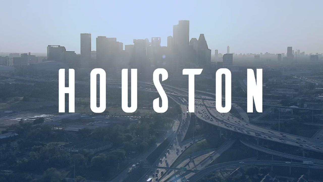 Daily Digest: Houston mayor talks 2019 recycling contract, return of glass