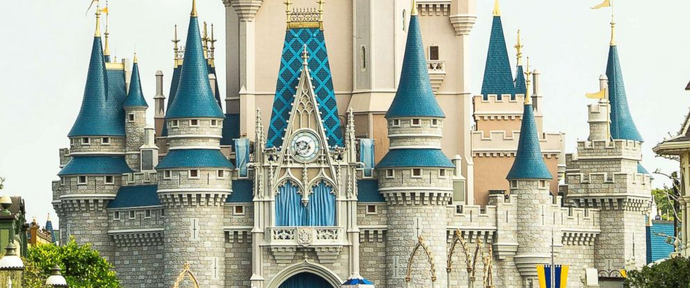 Disney to Eliminate Plastic Straws by 2019