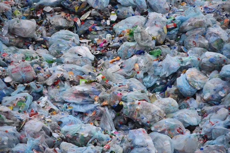 EU agrees landmark plan for single-use plastics ban