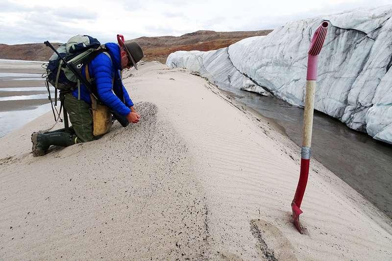 Huge 30-kilometre wide meteorite crater found under Greenland glacier