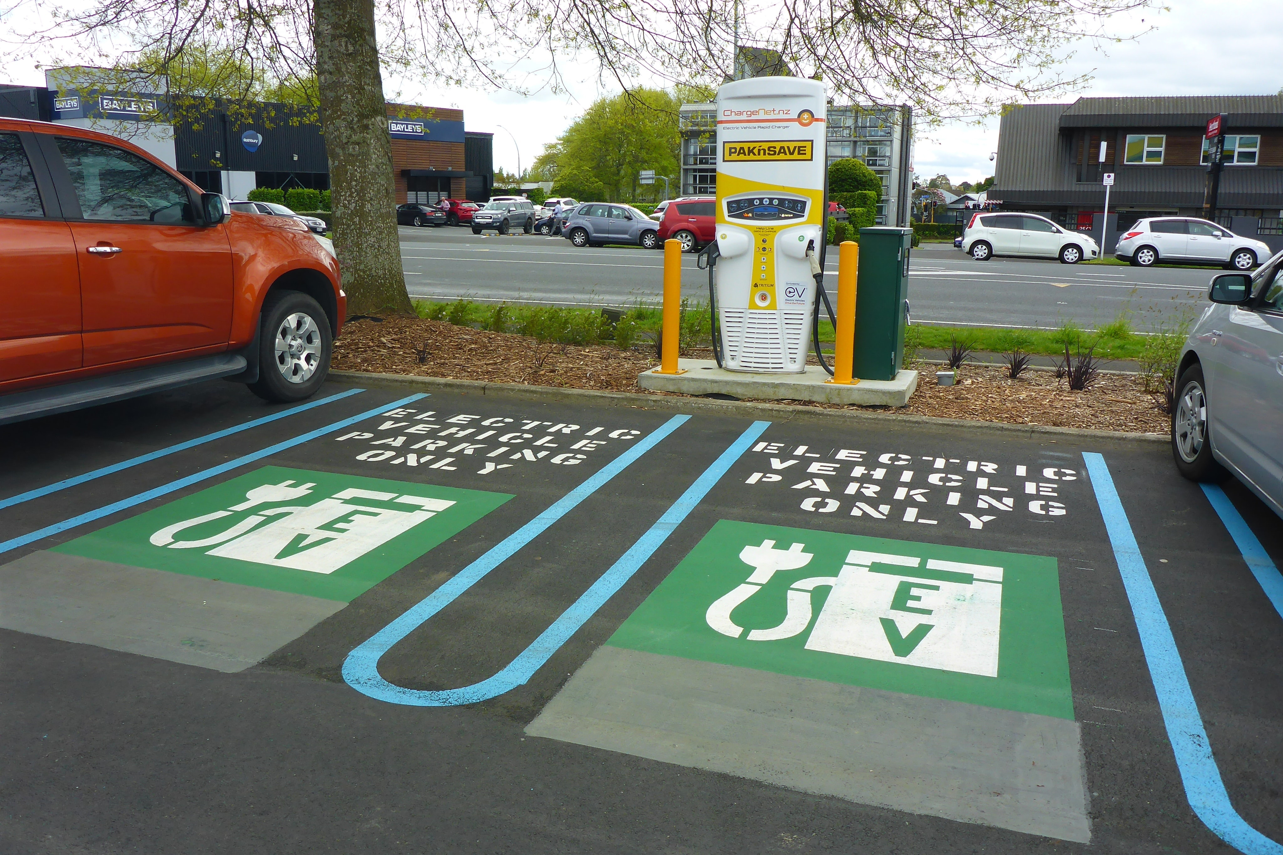 Government plots 2,500 rapid EV chargers across England by 2030